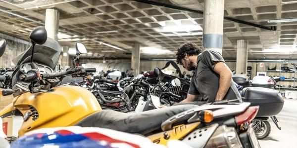 Consejos para un buen frenado de la moto