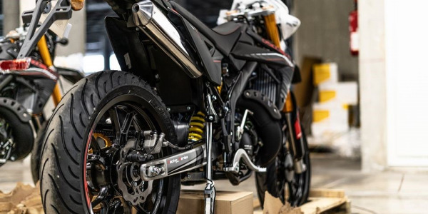 ¿Qué presión poner a los neumáticos de tu moto?